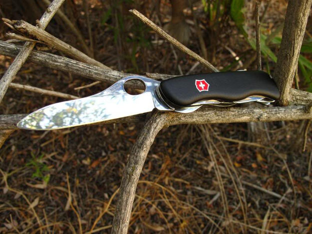 Trekker | The Best Swiss Army Knives For Survival | An Iconic Tool In Your Pocket