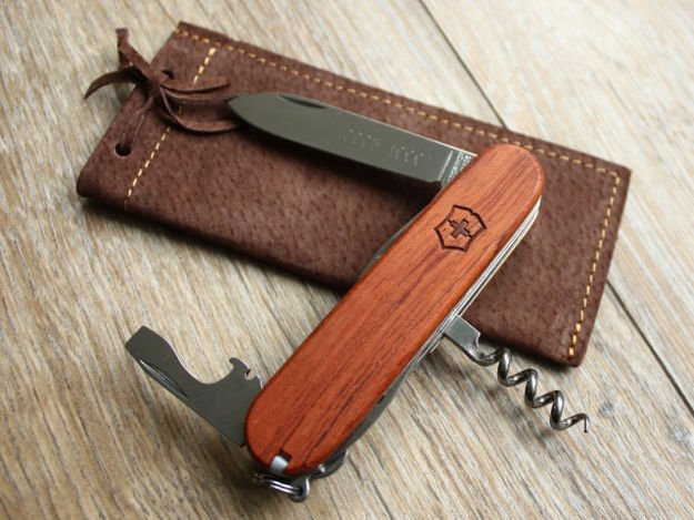 The Huntsman | The Best Swiss Army Knives For Survival | An Iconic Tool In Your Pocket