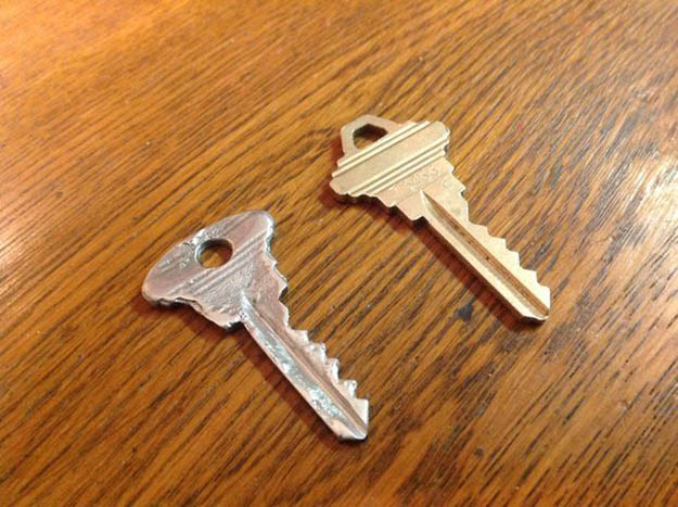 Remove and Test | 4 Ways To Duplicate Keys By Hand