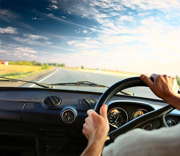 Be A Defensive Driver   9 Road Accidents Survival Tips