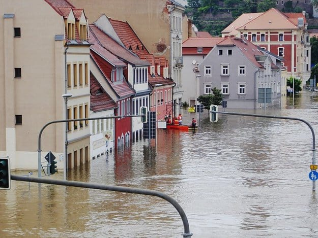 Protect Your Home   8 Levee Failure Survival Tips