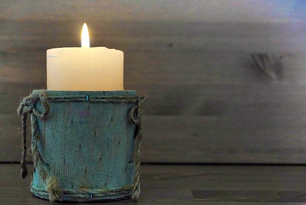 Use Candles   Winter Survival   What To Do When The Heat Goes Out
