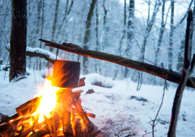 winter forest on fire boiled water | how to start a fire without matches in the wilderness