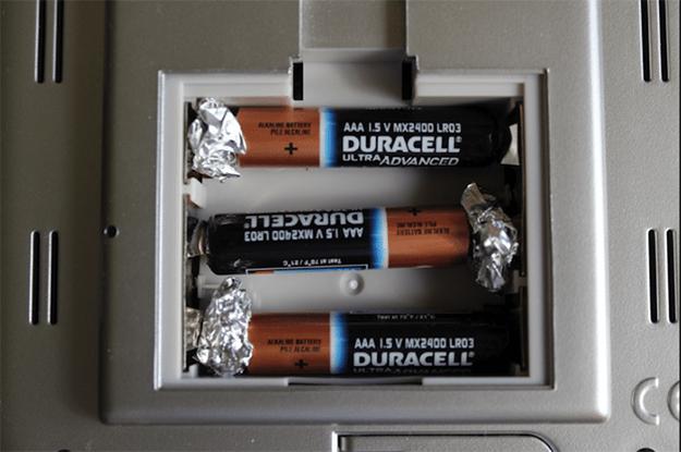 Fix Loose Batteries | Uncommon Aluminum Foil Survival Uses