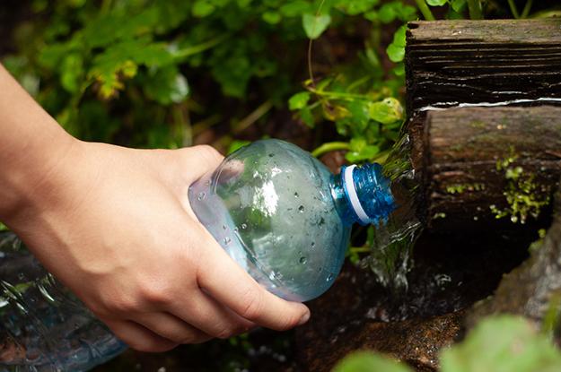 Water Bottle Repair | Uncommon Aluminum Foil Survival Uses