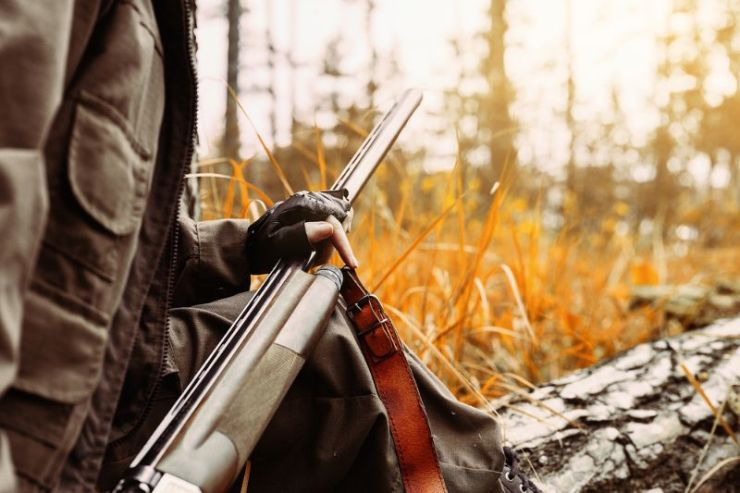 autumn-hunting-season-woman-hunter-gun | hunting