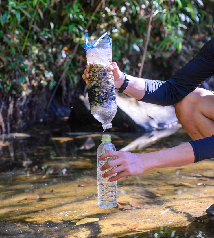 Using Found Treasures | DIY Water Filter: How To Filter Water With Sand, Gravel, Charcoal, And Others