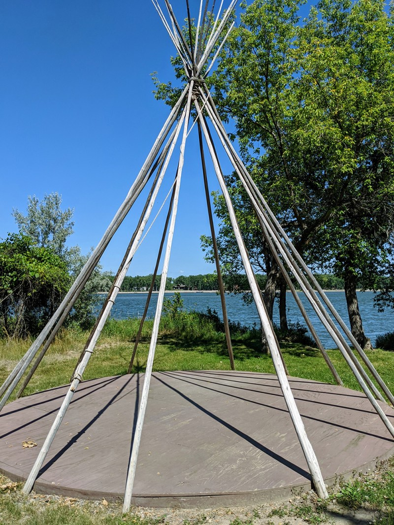 Poles| How to Setup a Teepee
