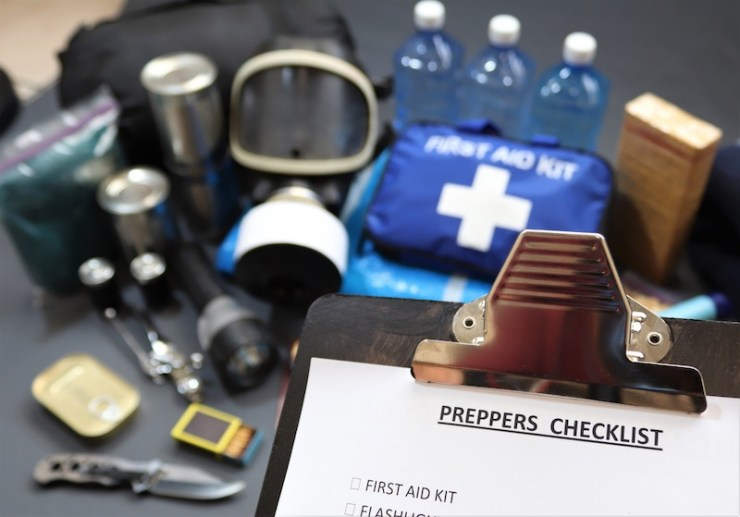 clipboard-checklist-know-preparing-natural-disasterseconomic | how to make a signal mirror