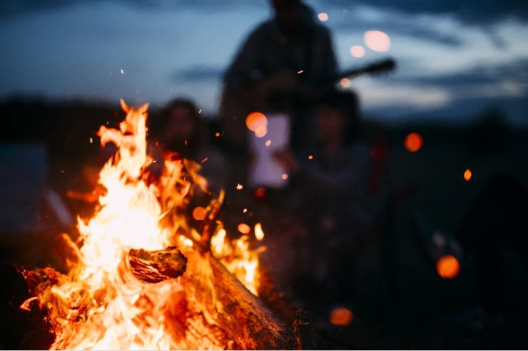 Bonfire-with-sparks-flying-around-campfire