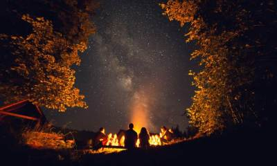 The fire at night-Camping Without Electricity | 5 Things You Need To Know When Camping Without Electricity | featured