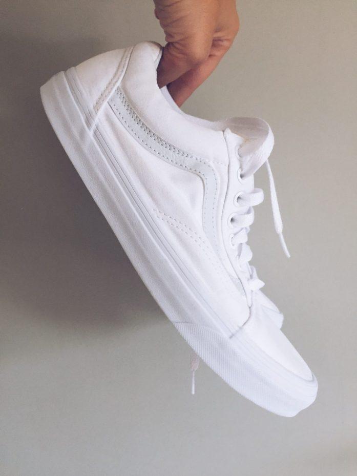 vans low white