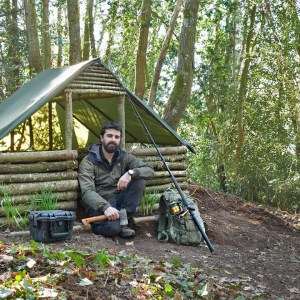 SURVIVAL SHELTER WITH FIREPLACE - BEST FISHING CAMP! Bushcraft alone into the woods!