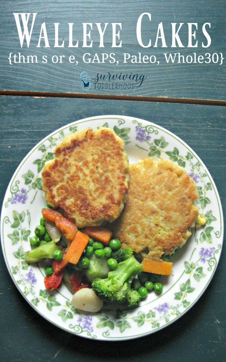 Try these Trim Healthy Mama Walleye Cakes tonight! Only 5 ingredients needed! Perfect for Whole30, GAPS stage 3, and the Paleo eating styles.