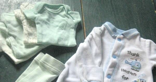 Creating a Newborn's Minimalist Wardrobe