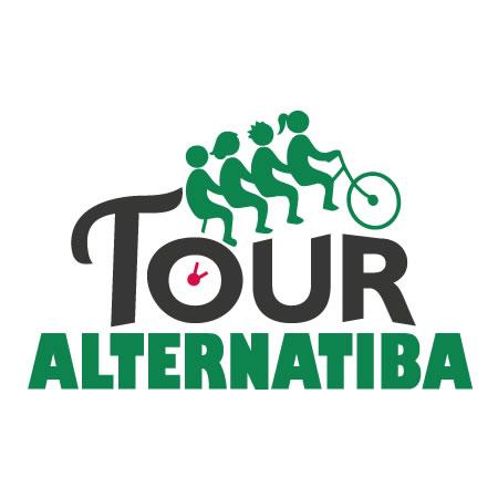 Insolite : un vélo accroché dans les rues d'Aubais !