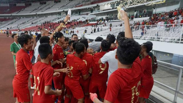 The Indonesian U-16 national team players after the 2020 U-16 Cup Qualification match, at the GBK Stadium, Jakarta, Sunday (9/22/2019). Photo: Irfan Adi Saputra /Kumparan