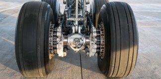 ilustrasi ban pesawat (Sumber: Macquaire)