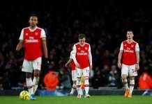 Para pemain Arsenal terlihat lesu setelah digebuk 1-2 oleh Brighton di Emirates. (Sumber: Sportsmole)