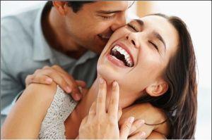 risas de pareja