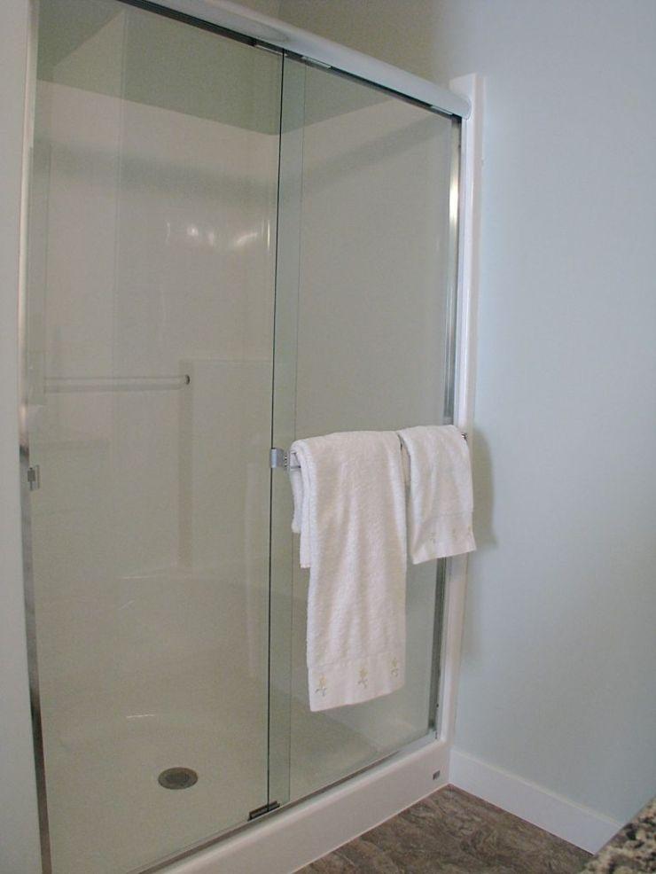 08-2460-Bath-master full-walk-in shower