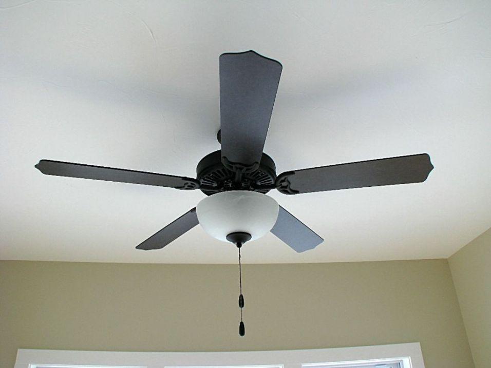 Lighted ceiling fan option in 4-season room