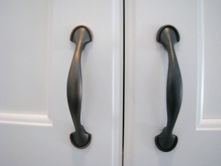 Hardware-Handles and Knobs
