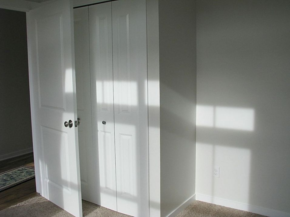 2430 Back entry and closet