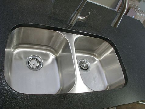 2506 Kitchen double sink in center island