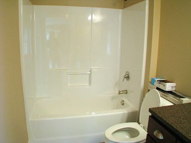 2515 One piece tub-shower combination
