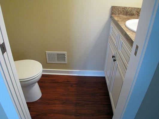 2419 Main floor master bath