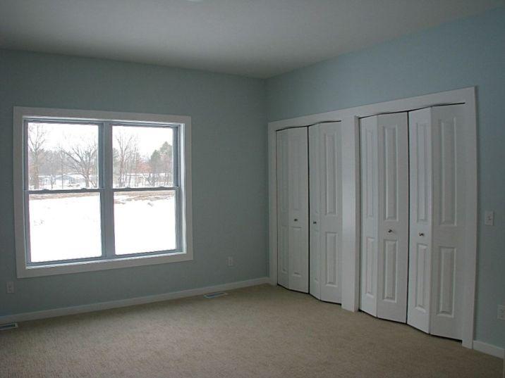 2518 Master bedroom with 2 double door closets