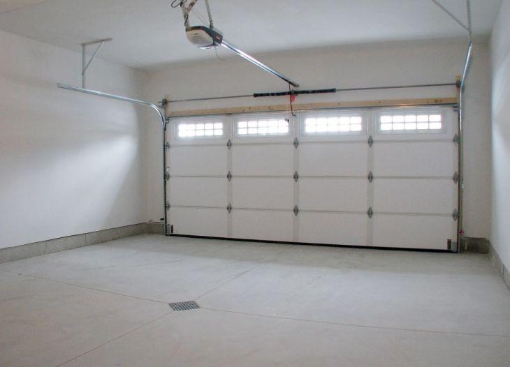 518 Half finished garage interior
