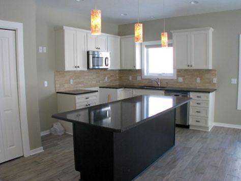 Efficient kitchen with center island