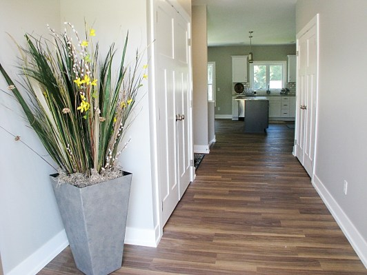 04-Entry Foyer