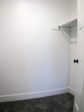 6406 LLBedroom 4 walk-in close-2 - Copy