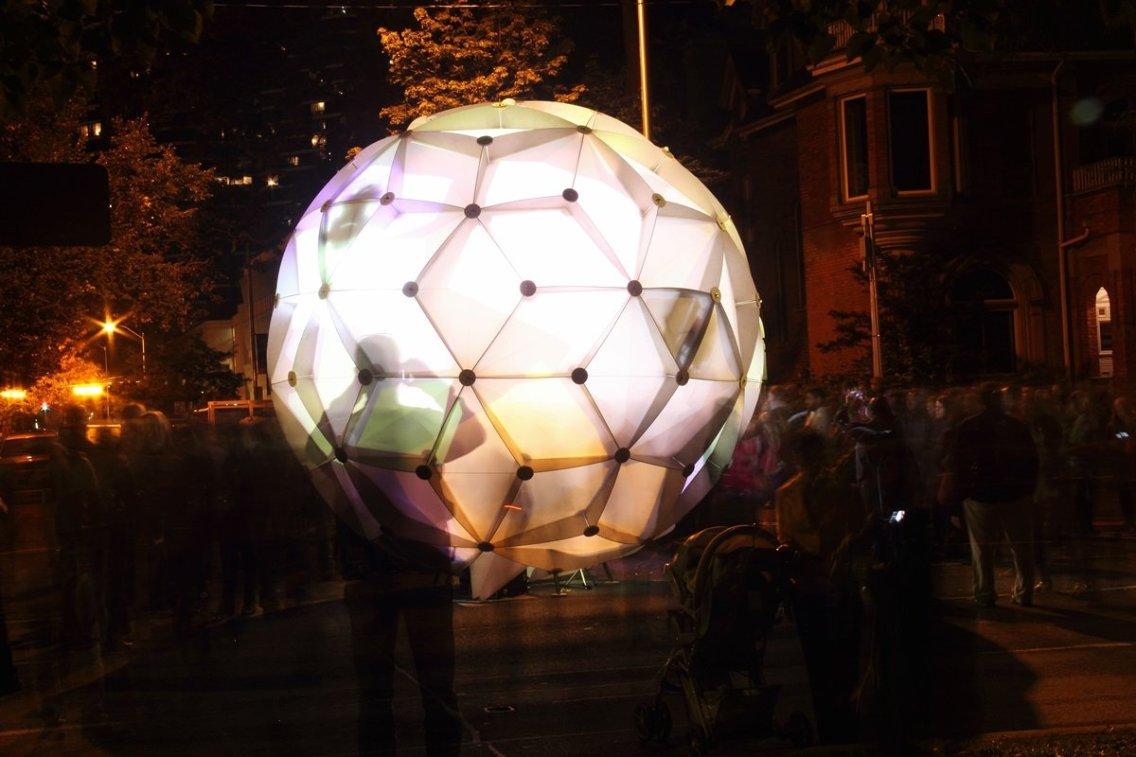 Hybrid Globe on University Ave.
