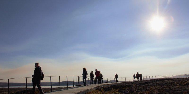 Walkway into Thingvellir
