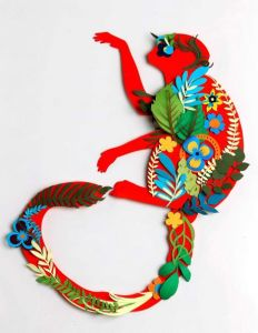 Nadya Shakoor paper sculpture / Mark Mulligan photo / Houston Chronicle )