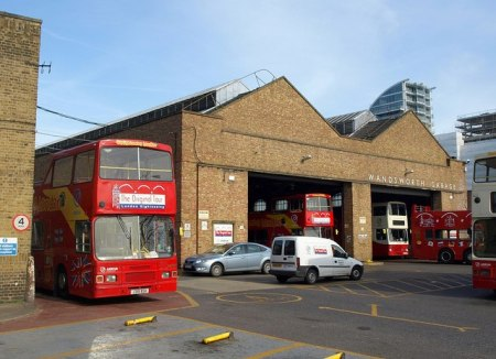 Wandsworth_bus_garage_-_geograph.org.uk_-_2316111