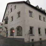 Die Turmgalerie in Imst vor der Vernissage Femmes et Fleurs Zeichnungen von Susanne Haun