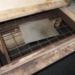Nun liegt eine Kohlestaubschicht auf der Platte - Foto von Susanne Haun