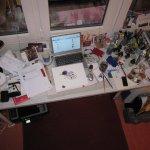 Da mein Hauptaugenmerk im Moment auf der Welzow Radierung liegt, habe ich einen unordentlichen Schreibtisch - ein Wunder, dass Platz zum Malen da ist