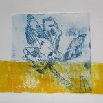 Beim zweiten Druck gehe ich mit der Rolle in die Farbe goldgelb - Susanne Haun
