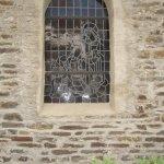 Leider kam ich nicht in die Kirche, um mir die Fenster von innen anzusehen - Foto von Susanne Haun