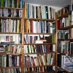 Ich habe mich entschlossen, meine Bücher zuhause aufzubewahren - Foto von Susanne Haun