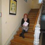 Kurz vor der Ausstellungseröffnung vor dem Rathaus - Foto von Angelika Furth