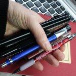 Meine Handtasche ist gefüllt mit Stiften, aber es fehlte noch ein neuer guter Füller - Foto von Susanne Haun