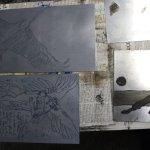 Mehrere mit Schwarz eingeschmirrte Zinkplatten c) Radierung von Susanne Haun