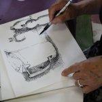 Irene vertieft die Schraffuren (c) Foto von Susanne Haun